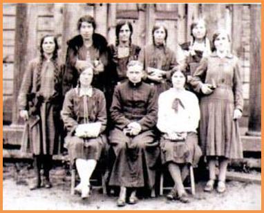 Станислав Шаплевич с прихожанами